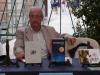 Joan Pla, a la taula de signatures de la XXX Fira del Llibre de Castelló
