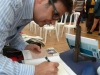 Vicent Jaume Almela signa el seu poemari «Aromes de la plana»