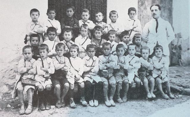 Carles Salvador - Escola 1a